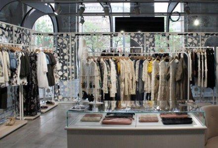 Del Conca und die Giugiaro Architektur im Hauptbahnhof von Mailand http___media-s3.blogosfere.it_styleandfashion_5_564_1_TWIN-SET-Simona-Barbieri_TEMPORARY-STAZIONE-CENTRALE-620x421 - Ceramica del Conca