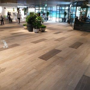 In Corea il centro commerciale è realizzato con le doghe di Dolomiti e Monteverde. IPARK%20MAL_KOREA%20(4) - Ceramica del Conca