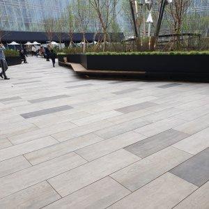 In Corea il centro commerciale è realizzato con le doghe di Dolomiti e Monteverde. IPARK%20MAL_KOREA%20(5) - Ceramica del Conca