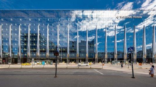 Eclettismo metropolitano per il nuovo hotel Tallink Tallink%20City%20Hotel_2021-06-16__MG_0771_Copyright-Tiit-Veermae - Ceramica del Conca