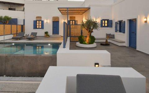 Vacanze di lusso al Kalathos Square Luxury Suites di Rodi general3 - Ceramica del Conca
