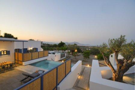 Vacanze di lusso al Kalathos Square Luxury Suites di Rodi general5 - Ceramica del Conca