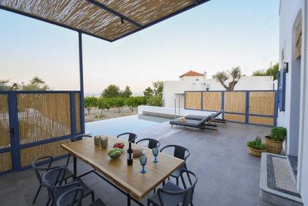 Vacanze di lusso al Kalathos Square Luxury Suites di Rodi sofia2 - Ceramica del Conca