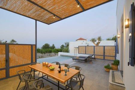 Vacanze di lusso al Kalathos Square Luxury Suites di Rodi sofia8 - Ceramica del Conca