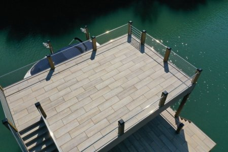 Le doghe del pontile con Dolomiti effetto legno lake%20norman%20(2) - Ceramica del Conca