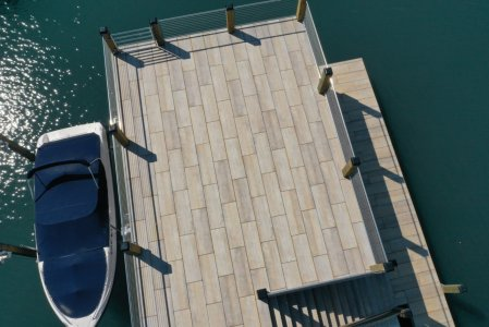 Le doghe del pontile con Dolomiti effetto legno lake%20norman%20(5) - Ceramica del Conca