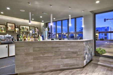 Del Conca in the Sky Lounge and Pool of the Luna Holiday Complex, in Malta 117454286 - Ceramica del Conca
