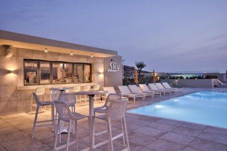 Del Conca in the Sky Lounge and Pool of the Luna Holiday Complex, in Malta 154764352 - Ceramica del Conca