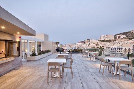 Del Conca in the Sky Lounge and Pool of the Luna Holiday Complex, in Malta 154764355 - Ceramica del Conca