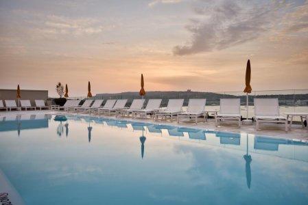 Del Conca in the Sky Lounge and Pool of the Luna Holiday Complex, in Malta 154764360 - Ceramica del Conca