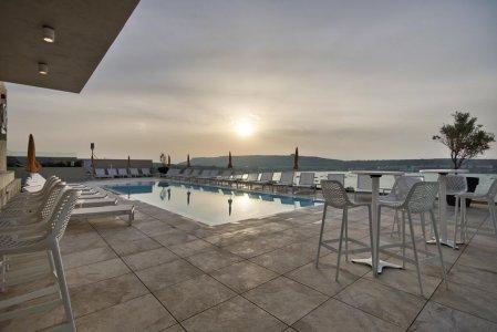 Del Conca in the Sky Lounge and Pool of the Luna Holiday Complex, in Malta 154764389-1 - Ceramica del Conca