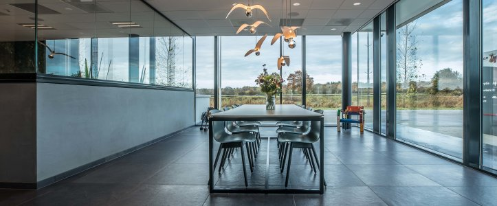Il design protagonista nella nuova sede di Hofman Animal Care in Olanda BW%20HR%20Reggetegels%20Animal%20Care-5807 - Ceramica del Conca