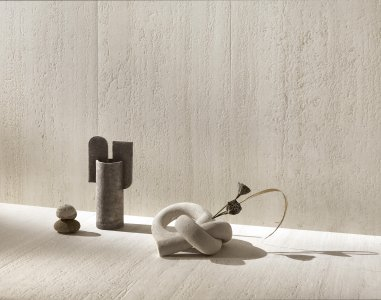 Del Conca launches Dinamika at CERSAIE 2021 DelConca_Travertino_StillLife - Ceramica del Conca