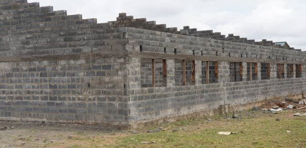 La scuola di Mitengo prende forma Foto%2022 - Ceramica del Conca