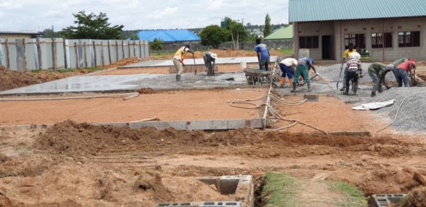 Scuola elementare a Mitengo, Zambia, 2019/2020 costruzione%20mitengo%20school_delconca%20(2)-min - Ceramica del Conca
