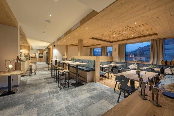 https://www.delconca.com/file/600x0/Referenze/DCO/Hotel%20Togglerhof/hotel%20torgglerhof_bressanone%20(1).jpg
